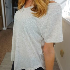 NWT poof short sleeve top in size large ❤️